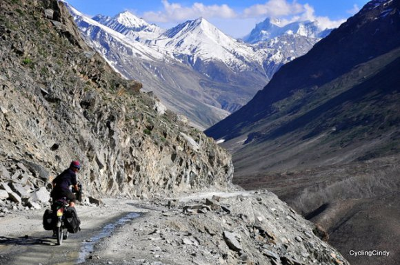 Cycling in Spiti & Lahaul, Indian Himalaya. I just crossed a 4550 meter high pass