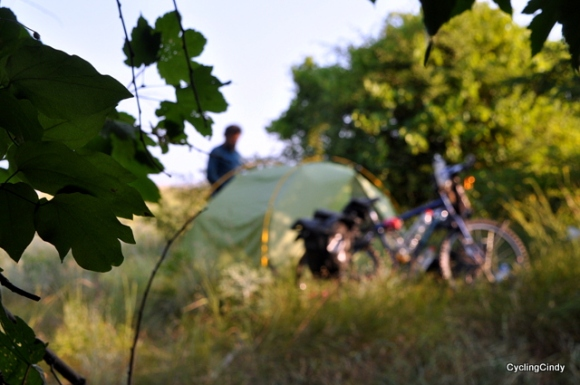 First wild camp in Bulgaria, not very easy between the many sunflowerfields