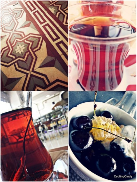 Chai, combined with cherry's and a beautiful tiled floor. I like it!