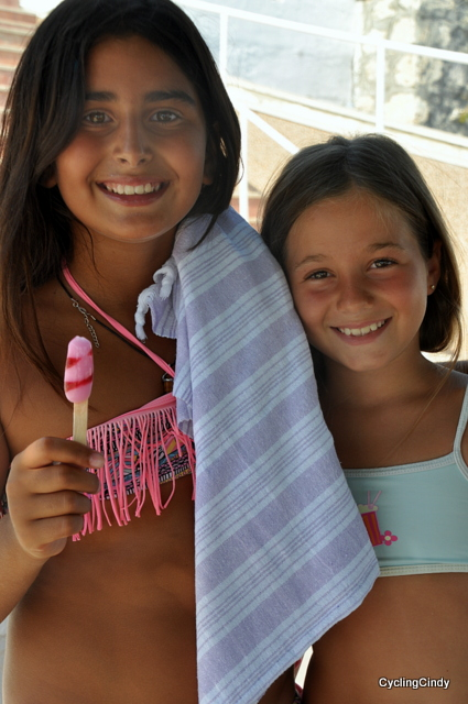 Two little beach girls wanted to be photographed. She asked me first