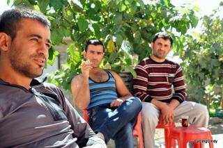 Kurdish hospitality in Iraq, drinking tea all day long