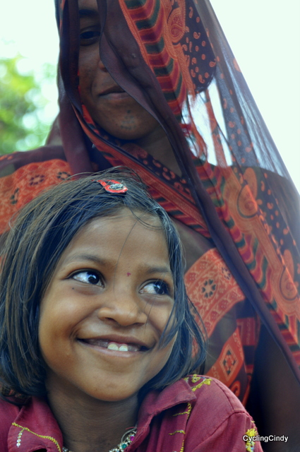 Road side dwellers who cut stones to small pieces, see their expressions full of love and proud!