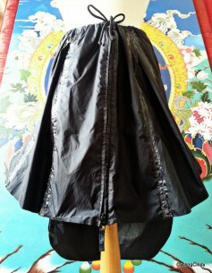 Rain skirt, made from a cheap rain jacket which kept me dry from rain but not from sweat. I glued the two seams I had to stitch in extra