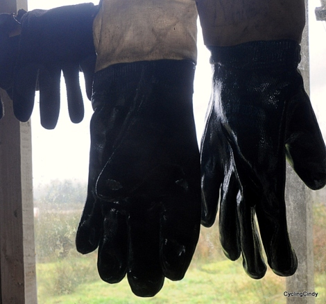 Gore-Tex gloves turned out to be useless; needed to buy hard plastic workman gloves.